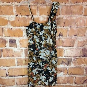🌹Alyn Paige Floral padded layered dress